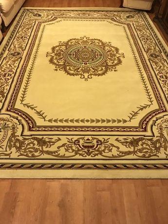 Продам ковёр 2,5х3,5