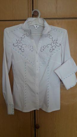 Продам блузку белую.
