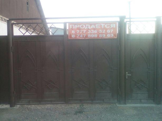 Продаётся небольшой дом в центре,в р/не Нов.базара,удобен для коммерц.