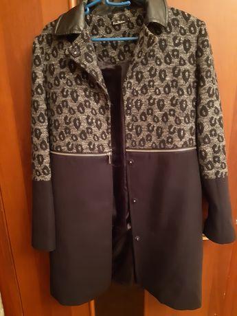 Практически даром отдаю Пальто  на весну от  Киры Пластининой