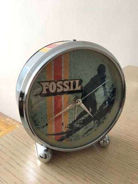 Часовник будилник FOSSIL
