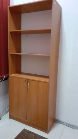 Подадется офисная мебель