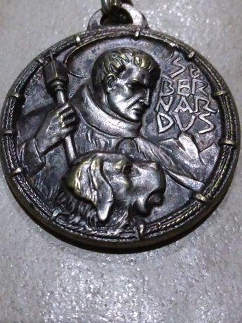 Vand medalie religioasa