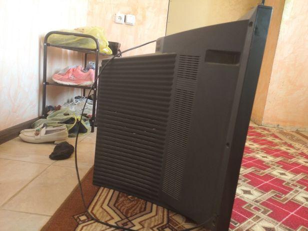 Телевизор LG В ВАНОВКЕ