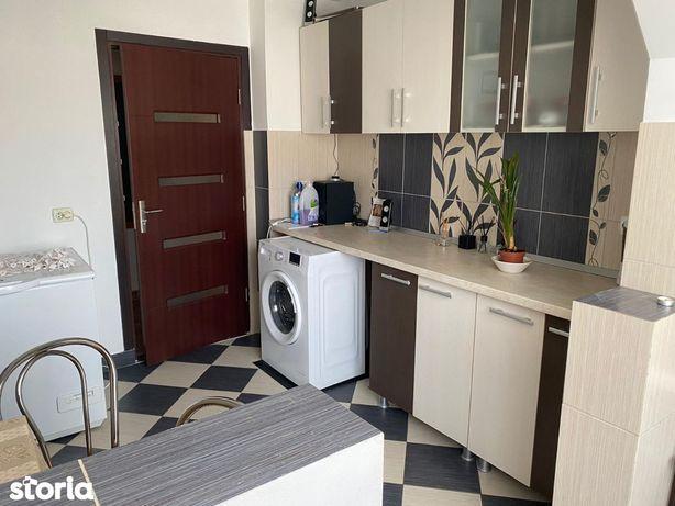 Apartament 2 camere decomandat zona Lama