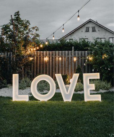 Litere si cifre volumetrice luminoase LOVE si 18 !