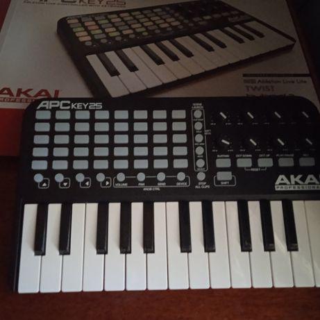 Синтезатор Akai apc key 25