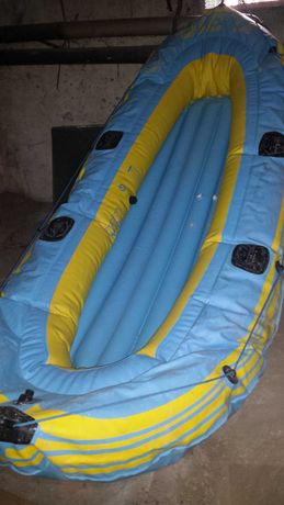 Vand barca pneumatica