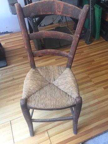 Стар автентичен стол