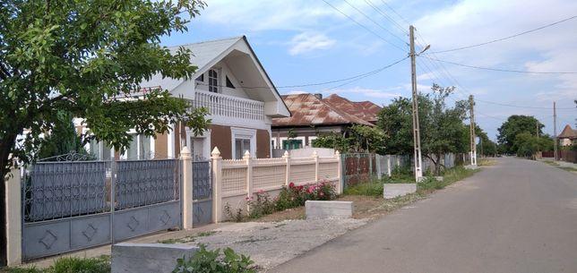 Casa la 35 km de  Craiova si 20 km de Caracal