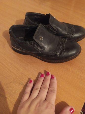 Туфли на мальчика 33 размер в хорошем состоянии и качество