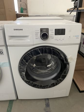Стиральная машина Samsung на 6кг белый