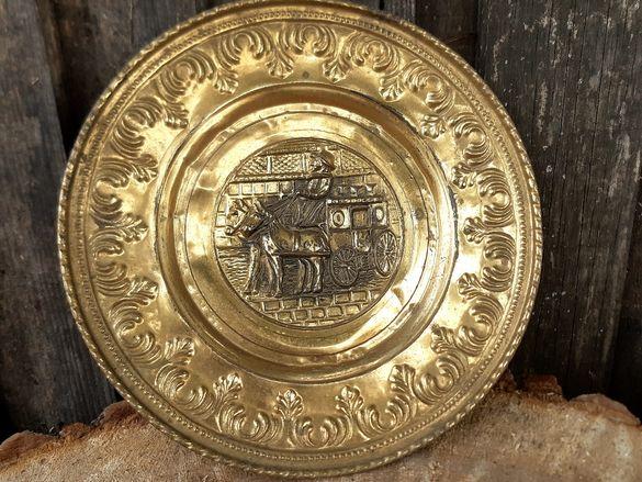 Стара Английска Бронзова релефна чиния Карета (Дилижанс)