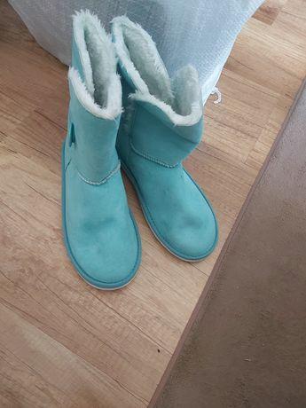 Сини велурени ботуши