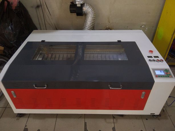 Лазерный станок Ruida CO2, 80W размер поля 90*60 см. + 3 000 макетов