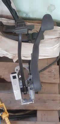 Педали - съединител и спирачка - /БМВ/BMW/-/е90/е91/-N45 2.0i 173кс
