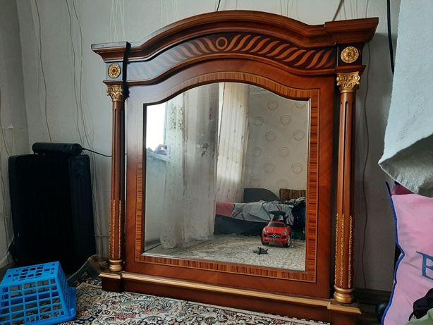 Зеркало из крассного дуба