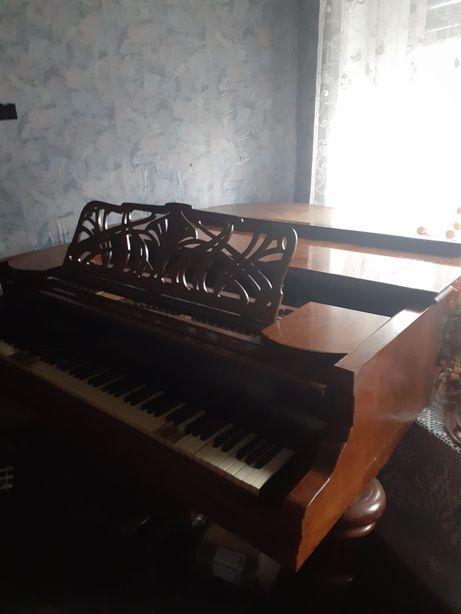"Vand pian marca ""Gustav Rosler"" Casa de Austria"