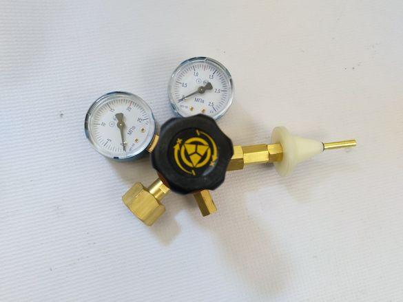 Хелий редуцир-вентил с 2 часовника+накрайник за пълнене на балони