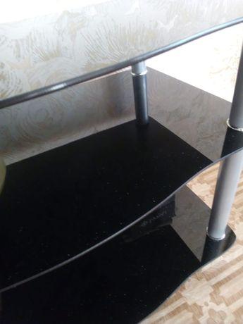 Продам столик под телевизор