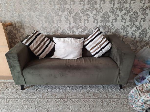 Продам диван современный