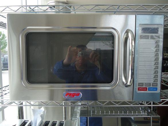 1.Микровълнова фурна професионална за заведения 30 литра 1.6 KW със