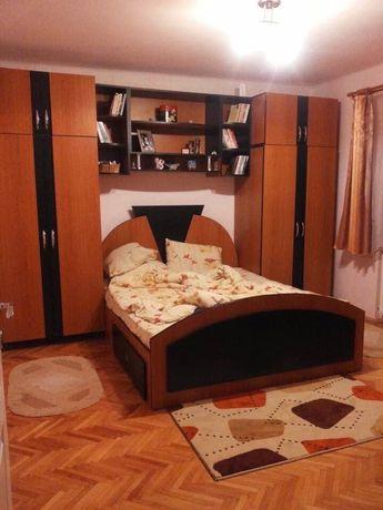 Dormitor (dulap, pat cu saltea, comoda+oglinda)