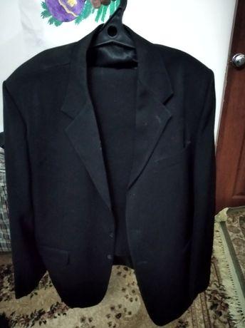 Продам костюм брюки 56,54 размеры