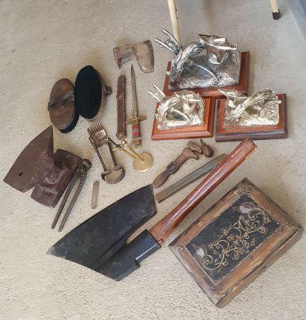 Nicovală,bardă,teslă,scule,obiecte vechi de colecție, vechituri