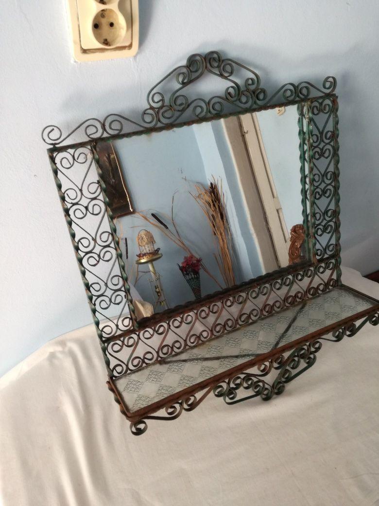 Oglindă veche - fier forjat