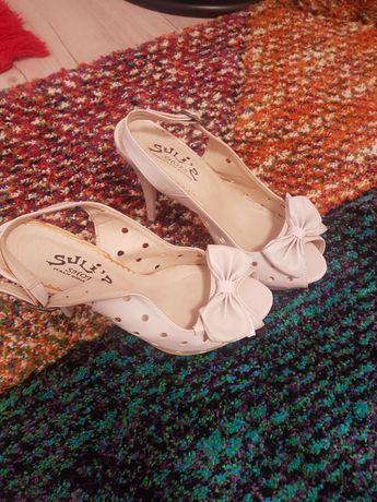 Sandale ocazie noi