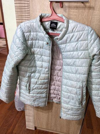 Куртки для девочки обменяю
