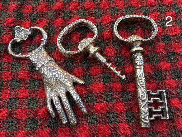 Бронзови фигури отварачки тирбушони леярско злато ръчно изработени