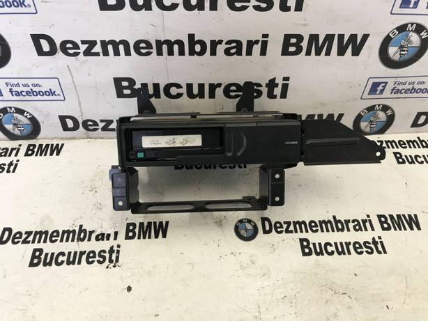 Magazie cd cu suport BMW E81 E87 E90 E90 E91 E92 E93 X1 E84