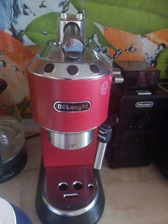 Кофеварка Delonghi + кофемолка Delonghi