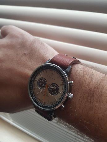 Triwa Nevil . Часовник