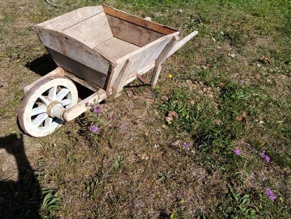 Стара(ретро) работна количка