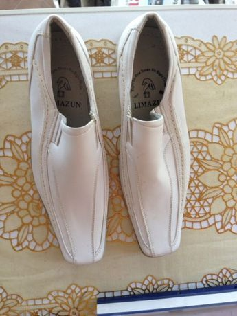 Pantofi 42