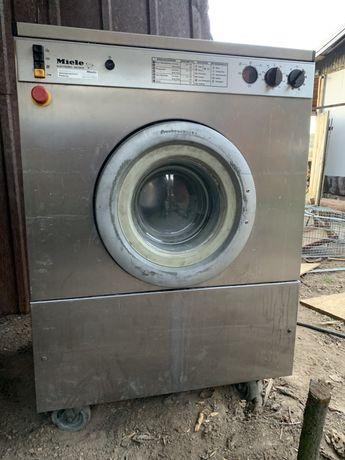 Професионална пералня Miele