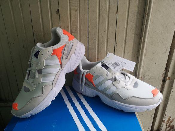 ''Adidas Yung-96''оригинални маратонки 46 номер