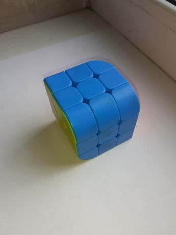Продам кубик рубик название PENROSE CUB