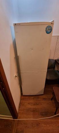 Продам холодильник или обмен на телефон