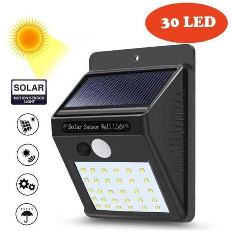 Соларен прожектор с 30 LED диода за стенен монтаж с PIR датчик за движ