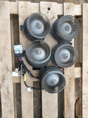 Вентилятор печки Toyota Aristo кузов 160