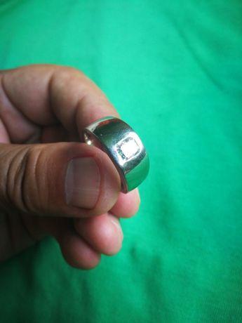 Inel 19.5gr aur alb 18 k cu diamant de 1.12 ct model deosebit