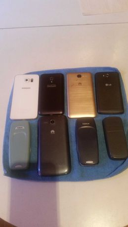 Продавам Телефони