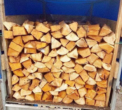 Vand lemne de foc taiate si crapate