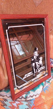 Oglinda veche cu Charlie Chaplin