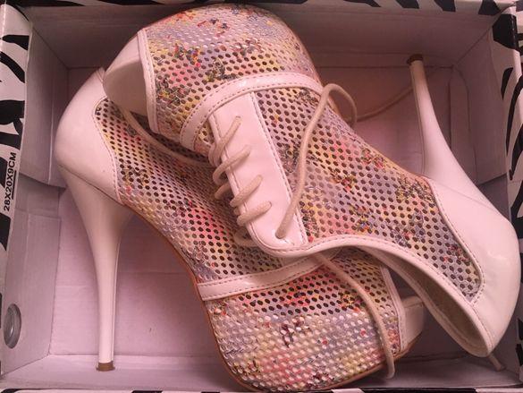 Дамски високи обувки на платформа