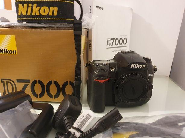 Body-  Aparat foto DSLR Nikon D7000